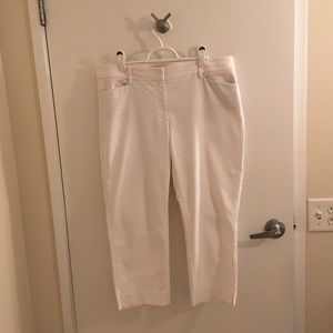 White House Black Market white crop pant size 14